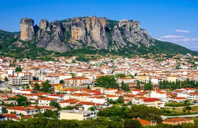 kalambaka-greece-panorama-city-rocy-mountains-meteora-landmark-six-monasteries-49115724
