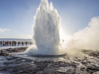 strokkur-geyser-iceland-featured