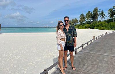maldives-couple-featured-image